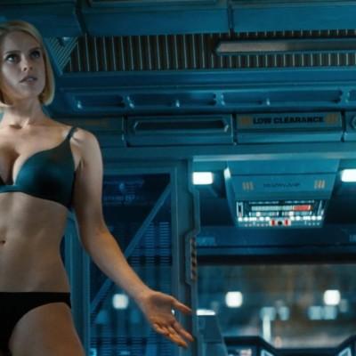 """5 iemesli, kāpēc """"Star Trek Into Darkness"""" ir stulba filma"""